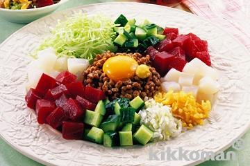 まぐろのぶつ切り納豆サラダ