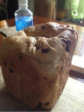 hbレーズンクランチアーモンドチョコパン