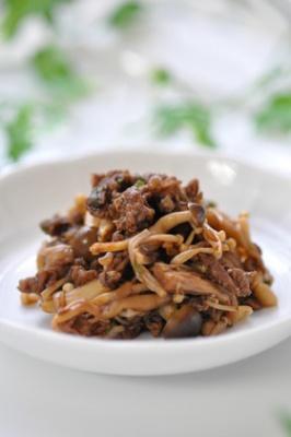 ご飯もパンもワインにも♫きのこ牛肉の佃煮