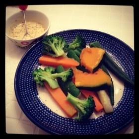 彩り温野菜withハニーマスタードソース