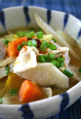 うちの定番★根菜たっぷり食べる豚汁