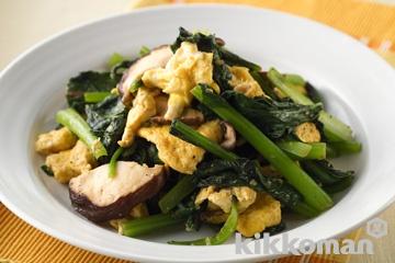 卵と小松菜のオイスターソース炒め