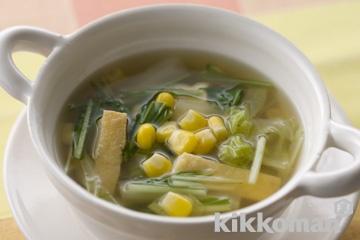 水菜と白菜、コーンの具だくさん汁