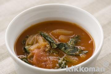 モロヘイヤ入りトマトスープ