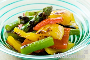 アスパラとパプリカのグリルサラダ