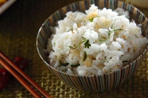 大葉と白ゴマのご飯