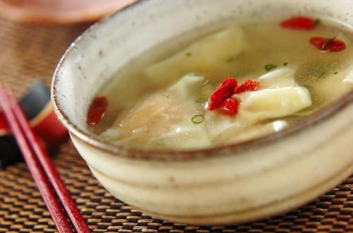 つるりんワンタンスープ