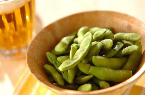ゆで枝豆とビール