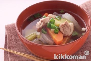 鶏と根菜のしょうゆ汁