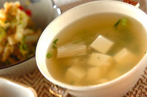 豆腐とエノキのお吸い物