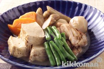 鶏肉と焼き豆腐、根菜の煮物