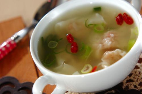 エビ入りワンタンのスープ