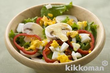 マッシュルームとゆで卵の彩りサラダ