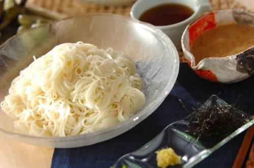 素麺・麺つゆとゴマダレ