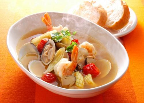 シーフードのカレー スープ
