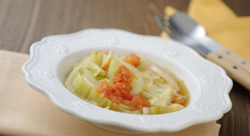 キャベツとトマトのスープ煮