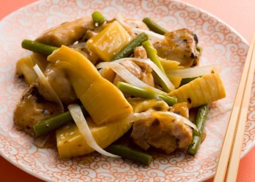 鶏肉とにんにくの芽の豆鼓蒸し