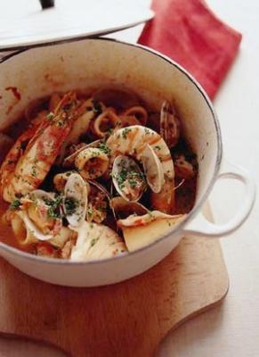 ブイヤベース風魚介のトマト煮