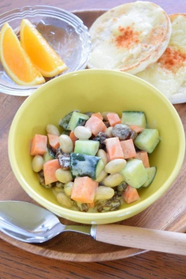 大豆・にんじん・きゅうりのガラムヨーグルトサラダ