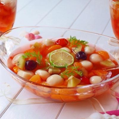 豆腐フルーツ白玉のレッドシロップ