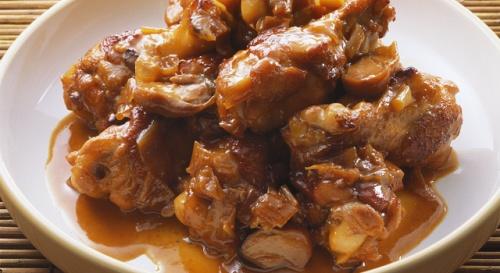 鶏肉の八角風味煮