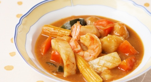 シーフードのカレースープ
