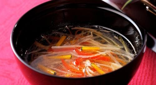 野菜たっぷりの沢煮椀