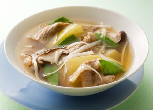 豚肉と冬瓜の和風スープ