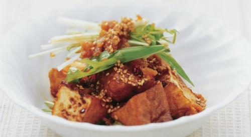 厚揚げと水菜のごま風味サラダ
