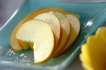 薄切りリンゴ