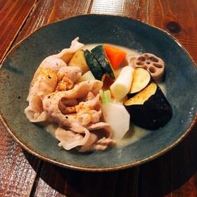 豚バラと野菜の西京味噌炊き