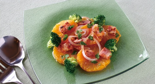 フレッシュオレンジとベーコンのサラダ