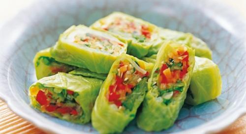 キャベツと彩り野菜の巻き漬け