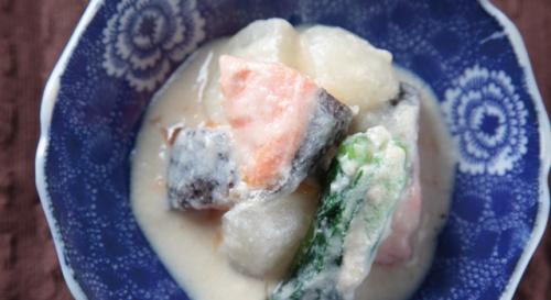 鮭とかぶらの酒粕甘煮