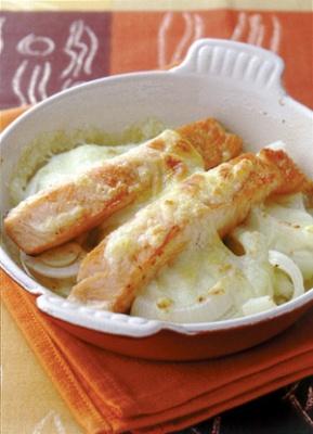 鮭と玉ねぎのチーズ焼き