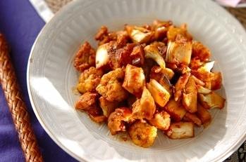 カリフラワーと鶏もも肉のピリ辛炒め
