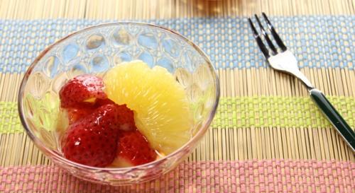 いちごとグレープフルーツのブランデーマリネ