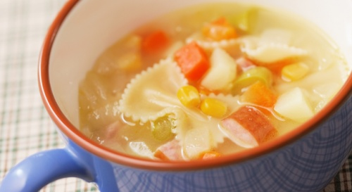 コロコロ野菜とリボンパスタのスープ