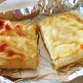 簡単すぎる!油揚げとチーズのピザ