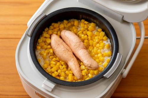 炊飯器ひとつで★丸ごとたらことコーンのバターごはん レシピ・作り方